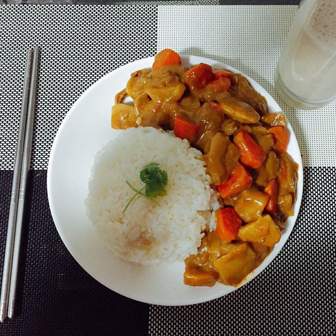 美味的咖喱牛肉盖饭的做法