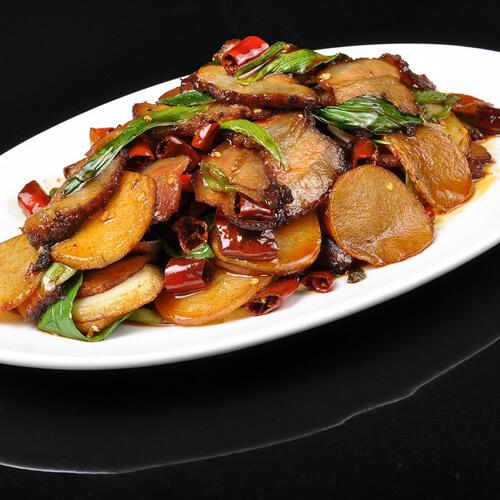 腊肉炒土豆的做法