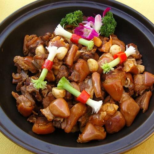 美味的煲羊肉汤