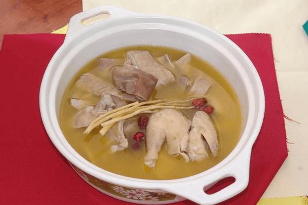 壹家海派老火锅,这个冬天来碗猪肚鸡暖一暖