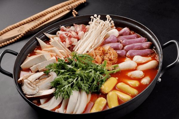 菲妃家年糕火锅加盟条件是什么?