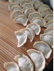 鲜美的香菜饺子