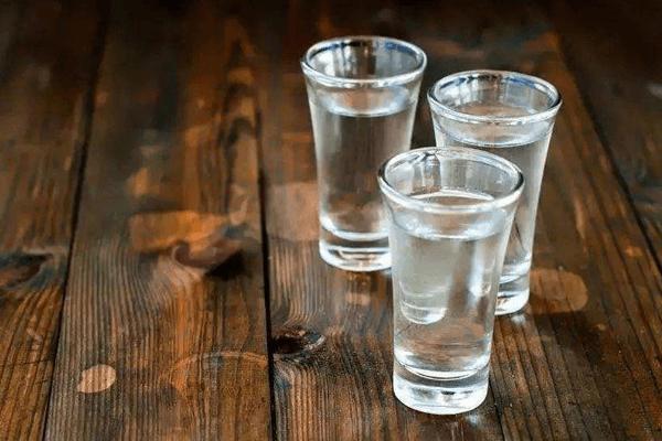 加盟皇龙酒业众多优势抢占市场