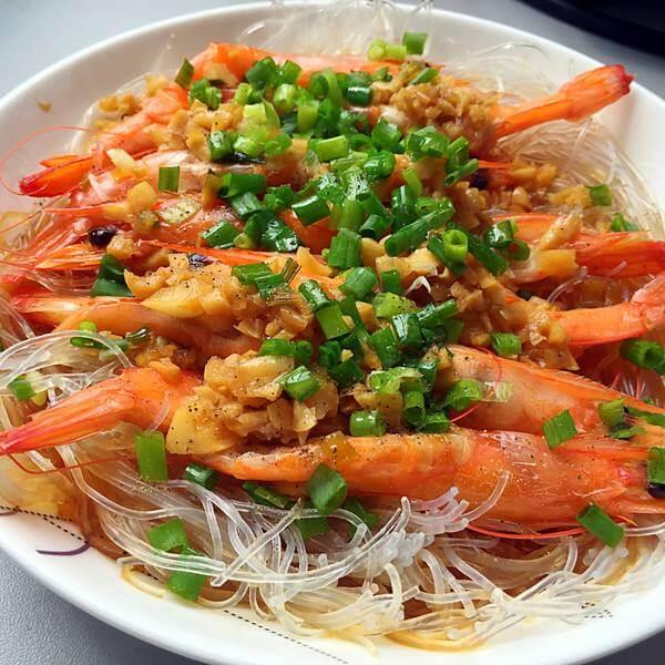 极致的蒜蓉粉丝蒸虾