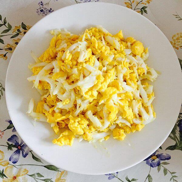 家常银鱼煎蛋