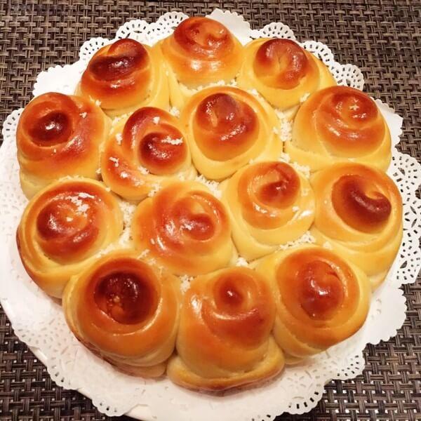 简单版玫瑰花面包