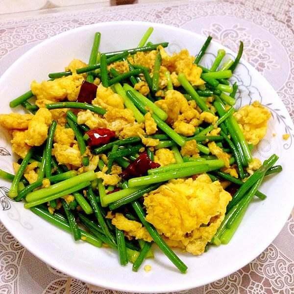 健康的蒜苔炒鸡蛋