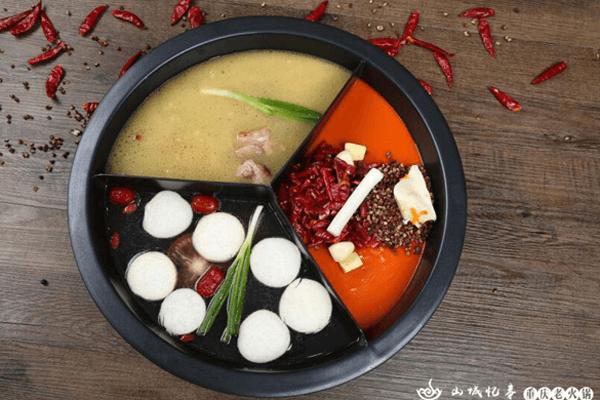 重庆山城忆事老火锅加盟优势是什么