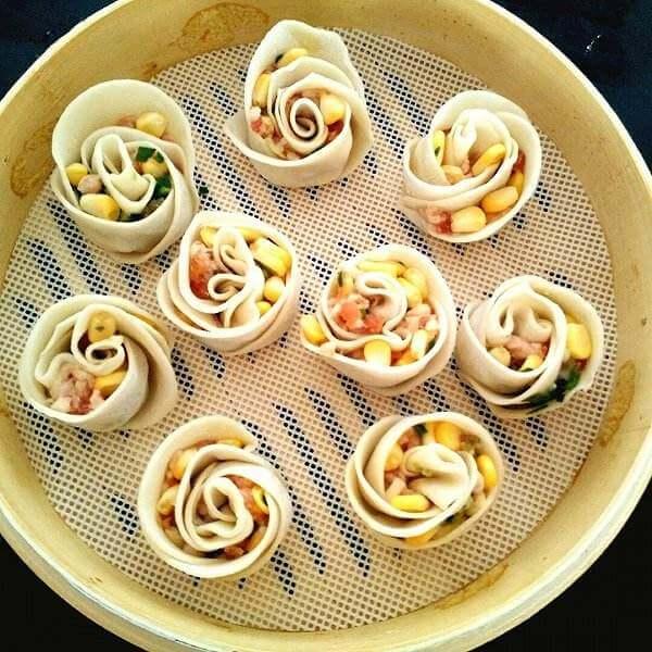 可爱的玫瑰花卷