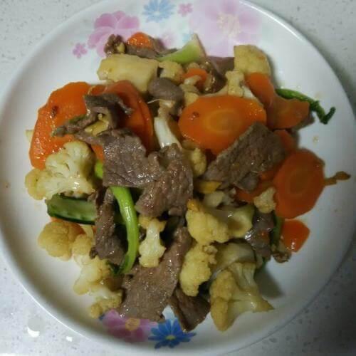 西兰花炒牛肉