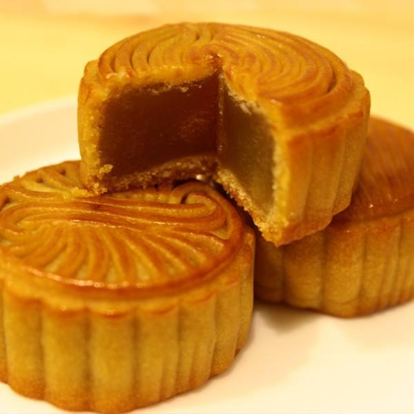手工打造健康低糖月饼-莲蓉蛋黄月饼