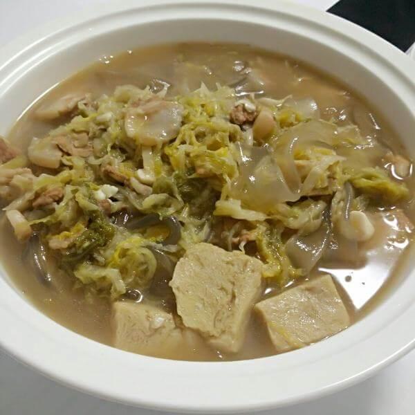 酸菜炖冻豆腐