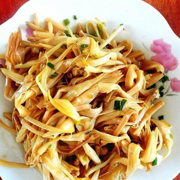 凉拌黄花菜