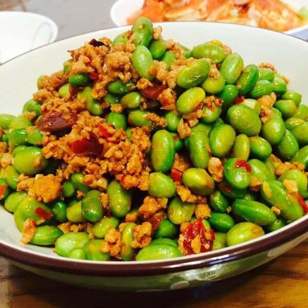 家常菜炒青豆