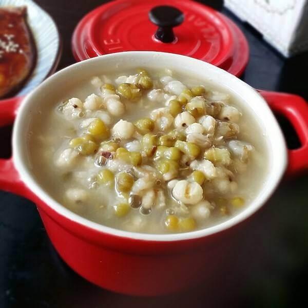 美味的百合绿豆汤