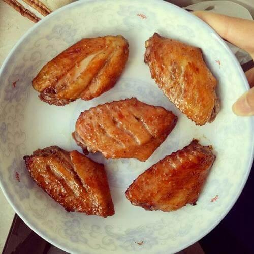 美味的香烤鸡翅