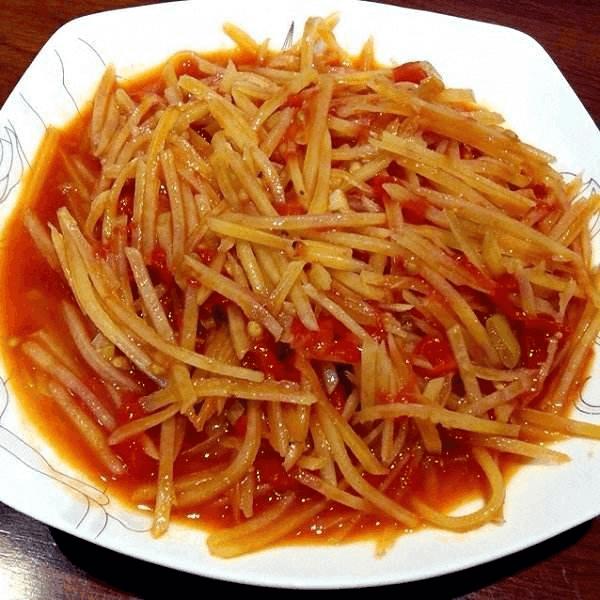 口感丰厚的西红柿炒土豆丝