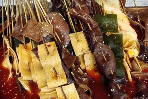 烫锅鲜砂锅串串香加盟优势