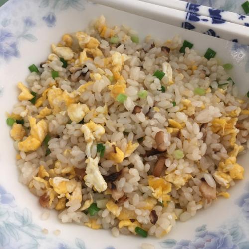 香菇蛋炒饭