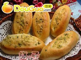简单的法国橄榄面包