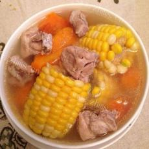 香喷喷的玉米排骨汤