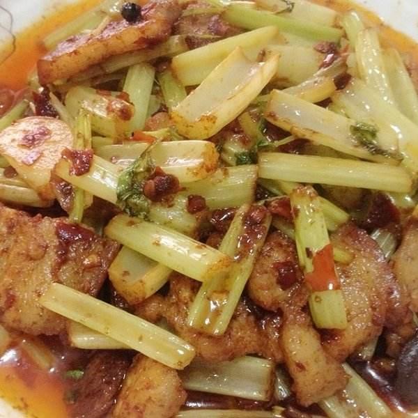 芹菜炒五花肉