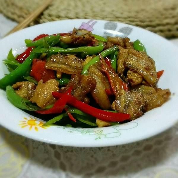 杭椒小炒肉:看菜和肉如何在锅中一气呵成