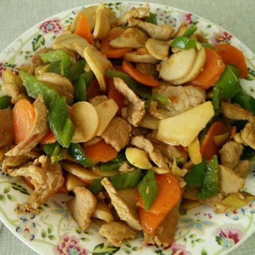 美美厨房之杏鲍菇炒肉