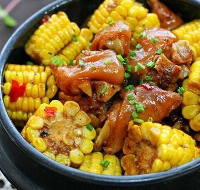 猪蹄焖玉米