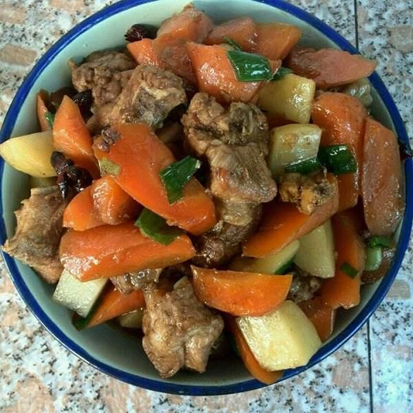 红萝卜烧肉