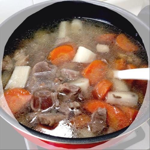 美味的胡萝卜炖羊肉