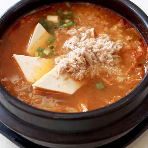 美味的韩国泡菜汤
