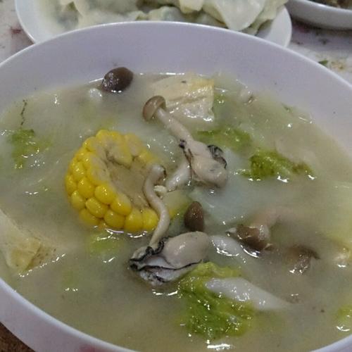 美味的海蛎子炖豆腐