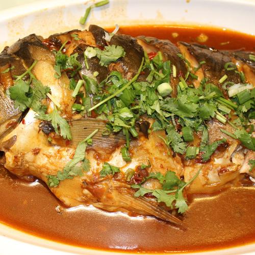 简单美味的清炖鲤鱼