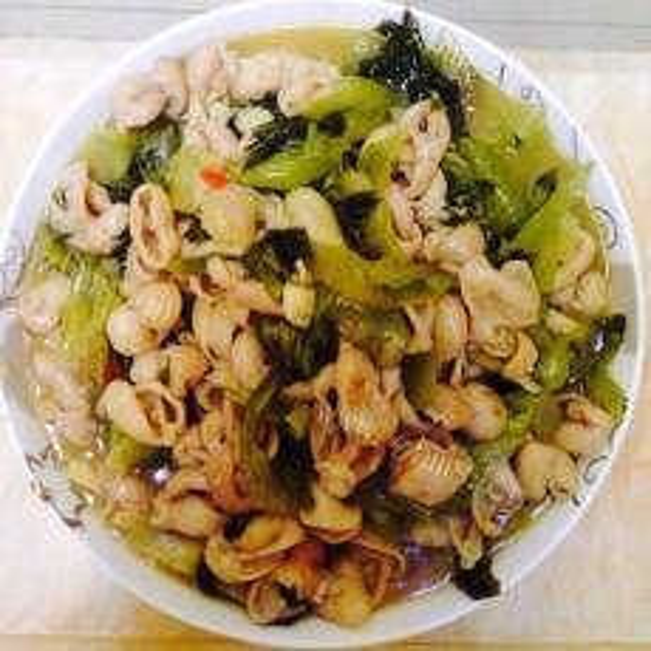 酸菜炒肥肠