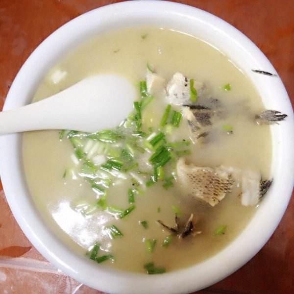 家常海蛎子豆腐汤