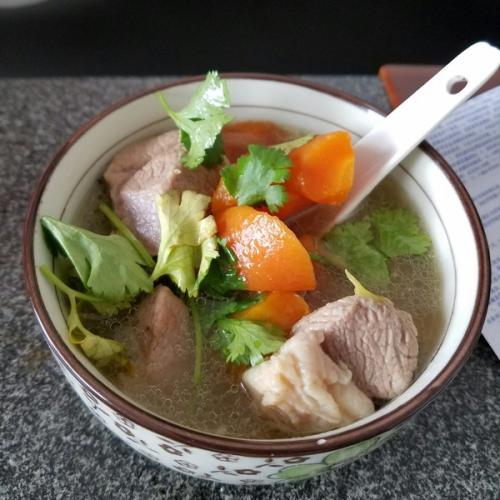 营养的胡萝卜炖羊肉