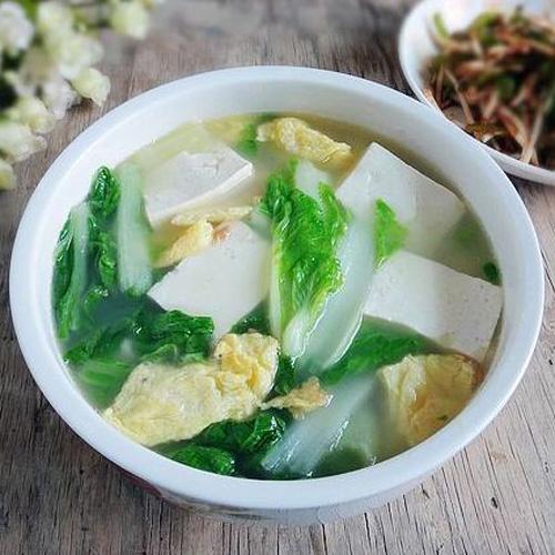 【首发】家常白菜豆腐汤