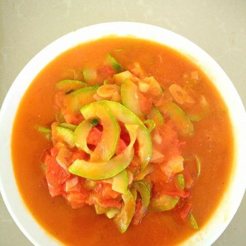 西葫芦炒番茄
