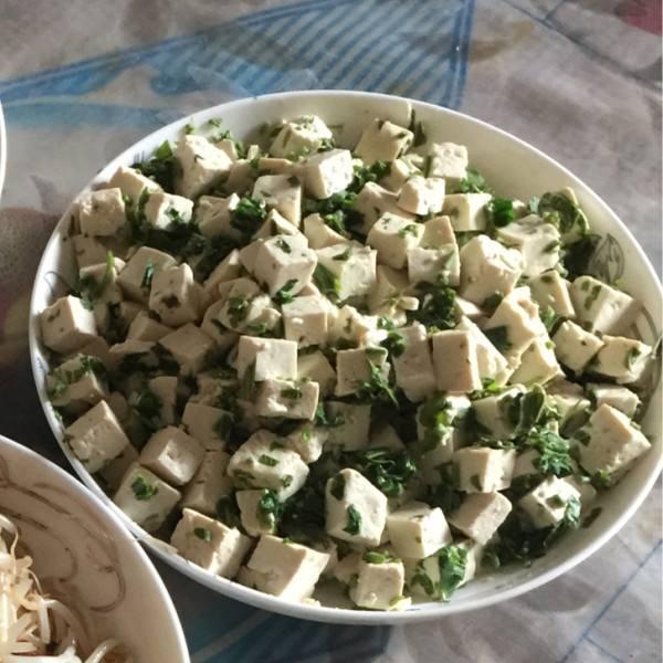 椿芽拌豆腐