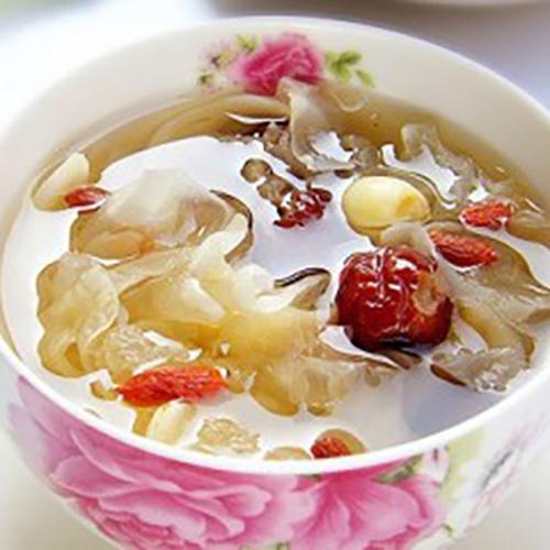清火百合银耳莲子汤