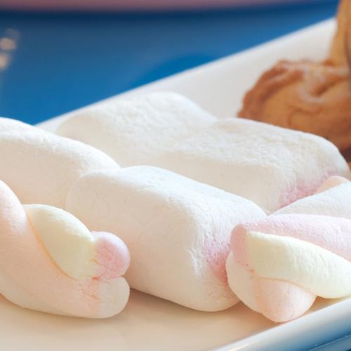 饼干草莓棉花糖