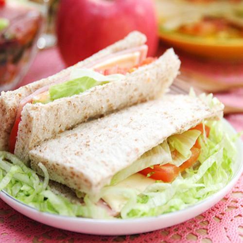 香醇的火腿三明治