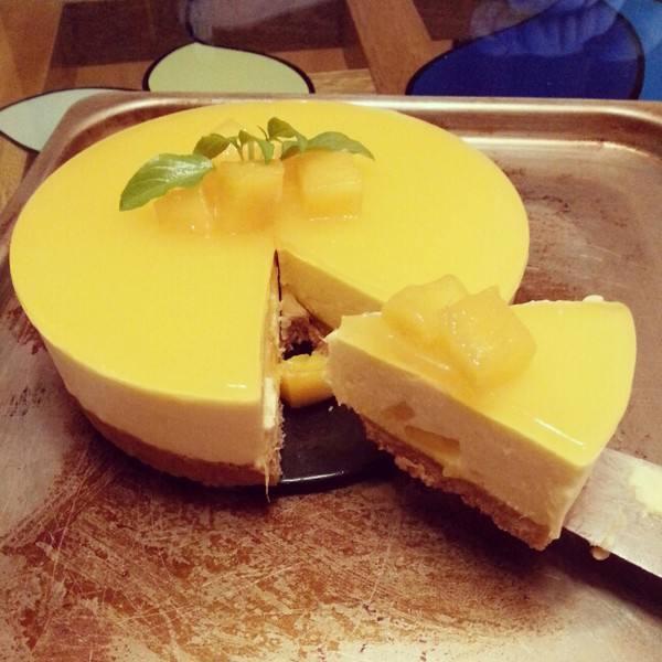 甜美的芒果流心芝士蛋糕
