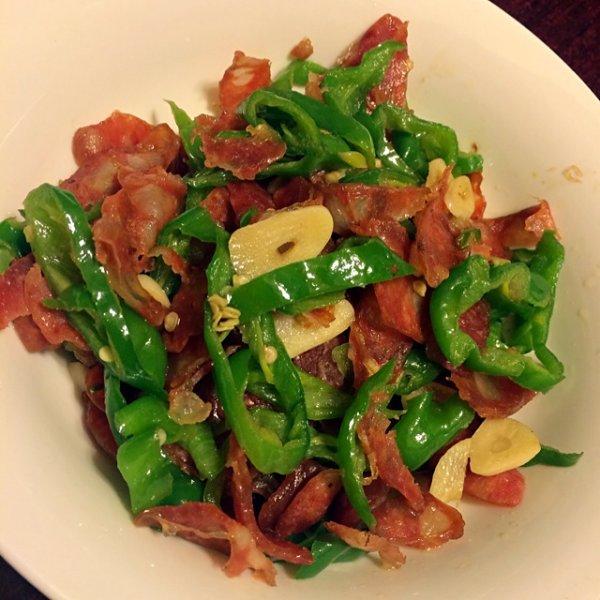 香肠炒青椒