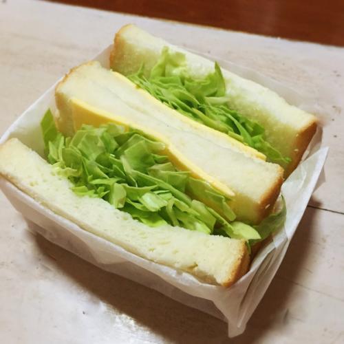 肉松鸡蛋沙拉三明治