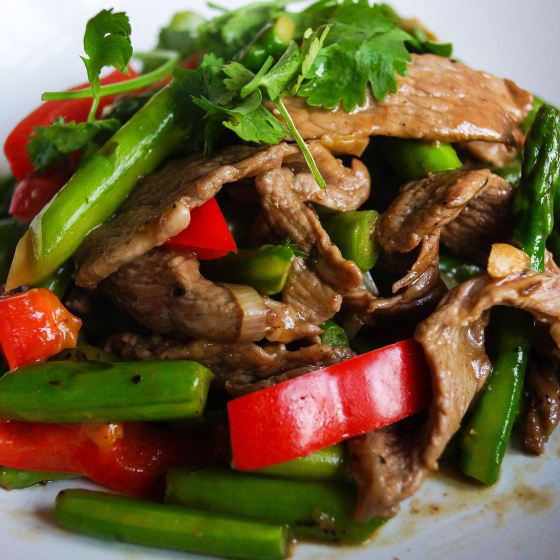 家常菜青椒炒牛肉