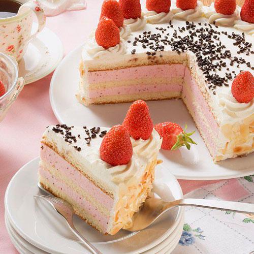 甜甜的蓝莓奶油蛋糕