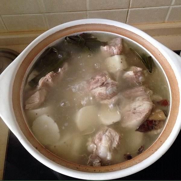 美味山药薏米排骨汤