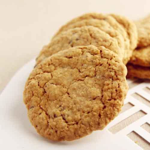 爱上燕麦饼干